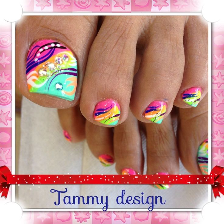 Bright Toe Nail Designs