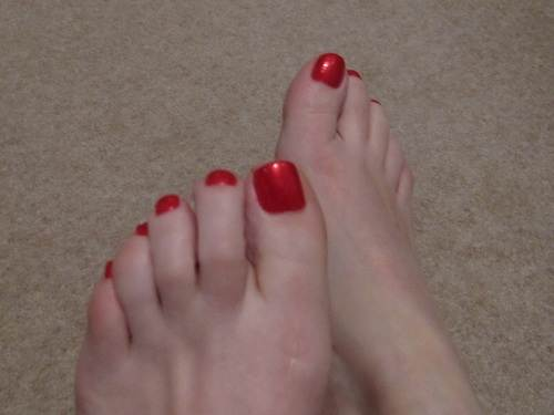 Red Toe Nail Designs