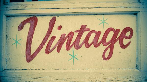 Retro Vintage Typography Fonts