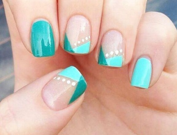 V-shaped Nails Design