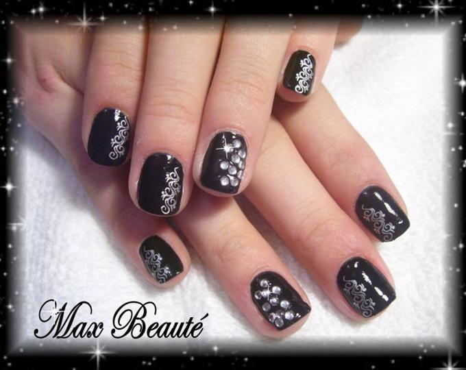 15 Black Nail Designs For Short Nails Images