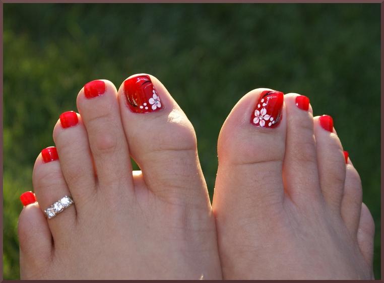 Simple Flower Toe Nail Designs
