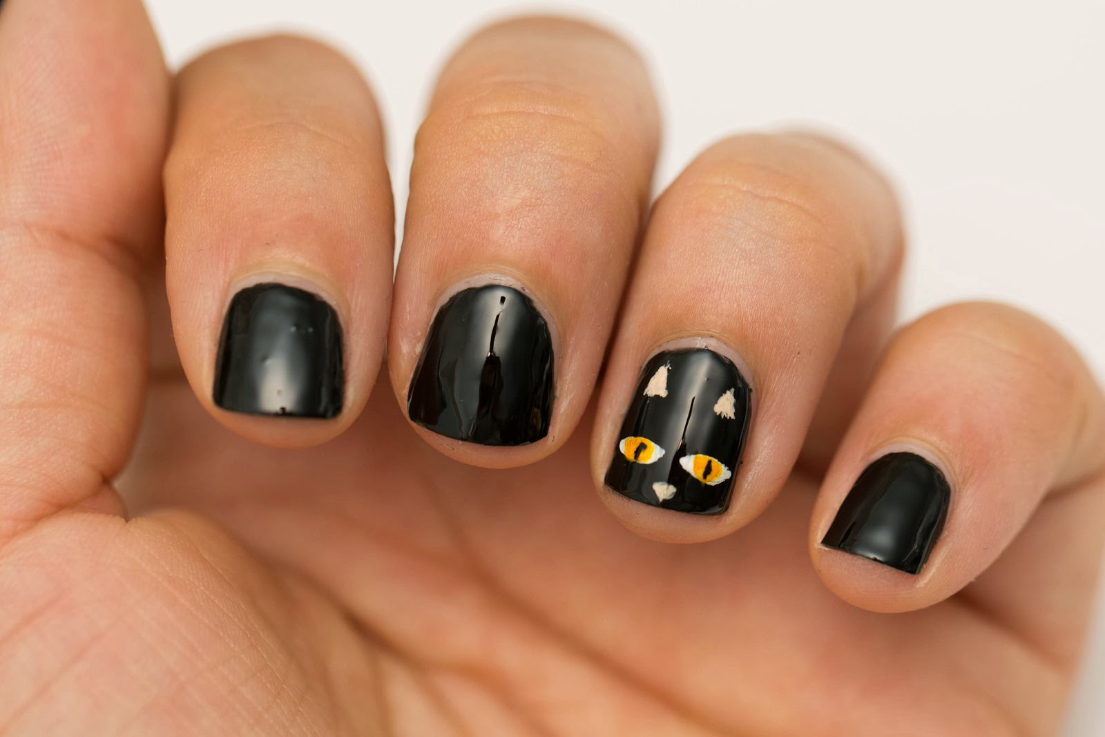Black Halloween Nail Art