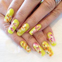 One Stroke Flowers Nail Art Tutorial