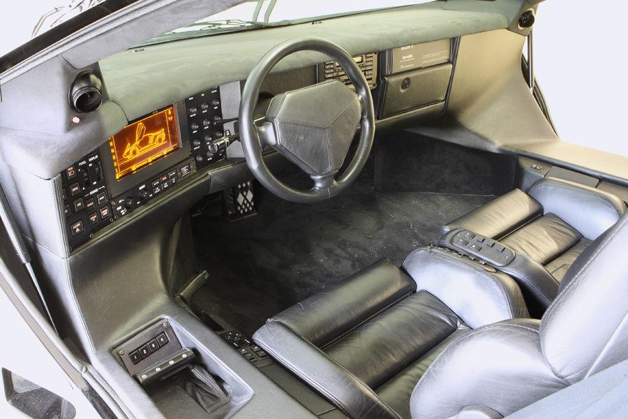 Super Car Vector W8 Interior