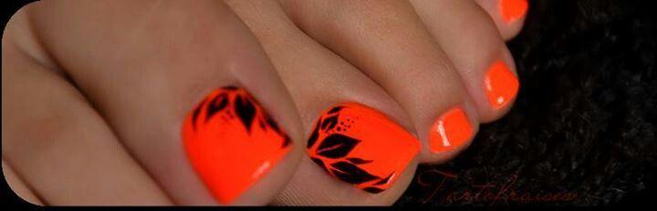 Black and Orange Toe Nail Design