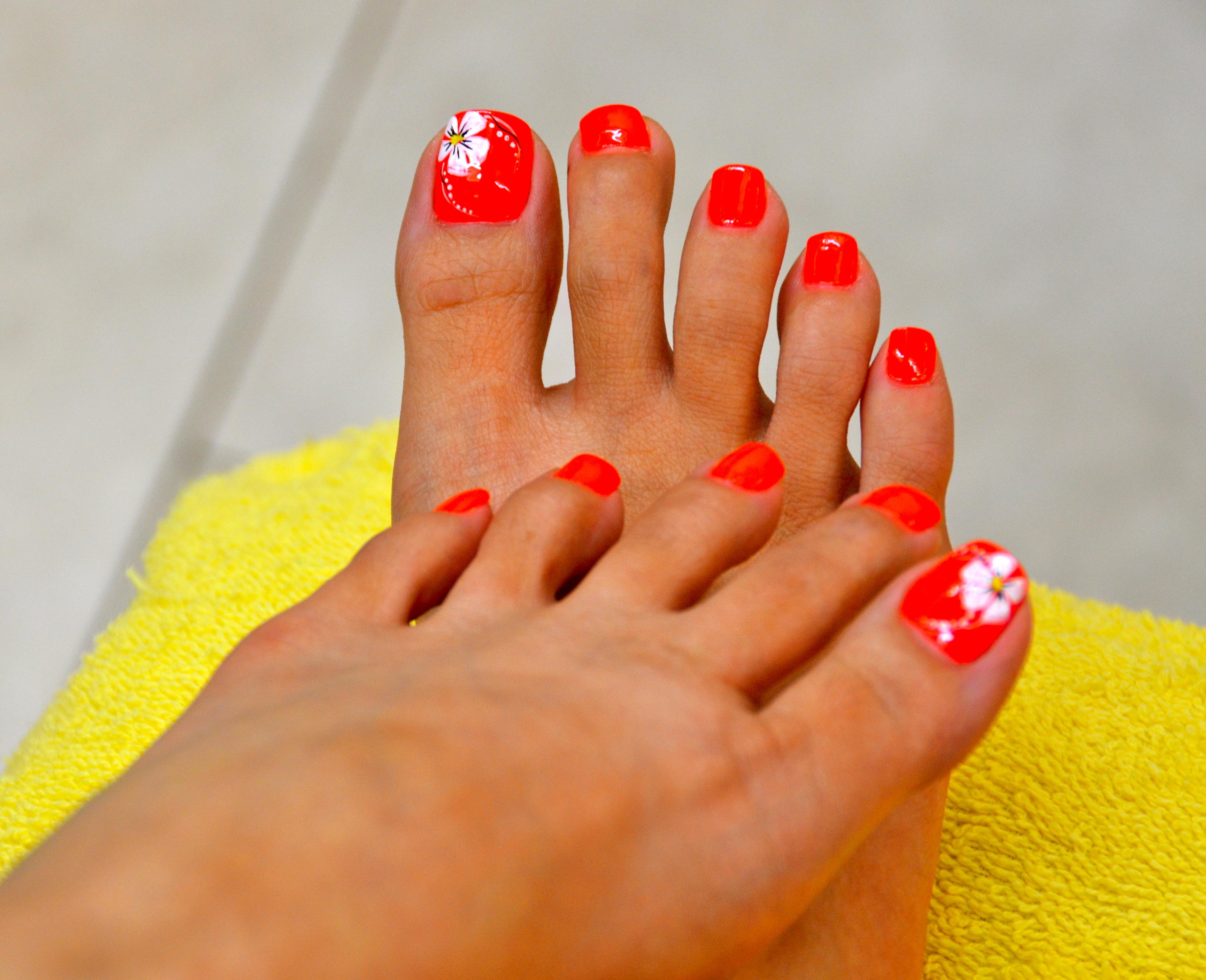 Orange Toe Nail Art Designs
