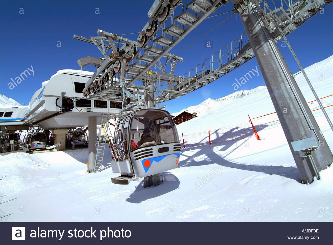 Aerial Gondola Ski Lift