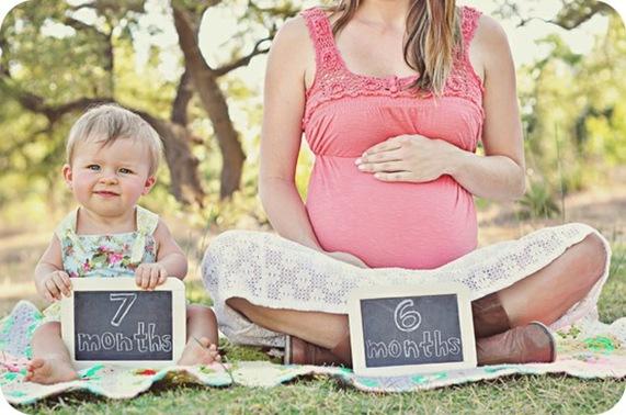 Cute Maternity Photography Idea