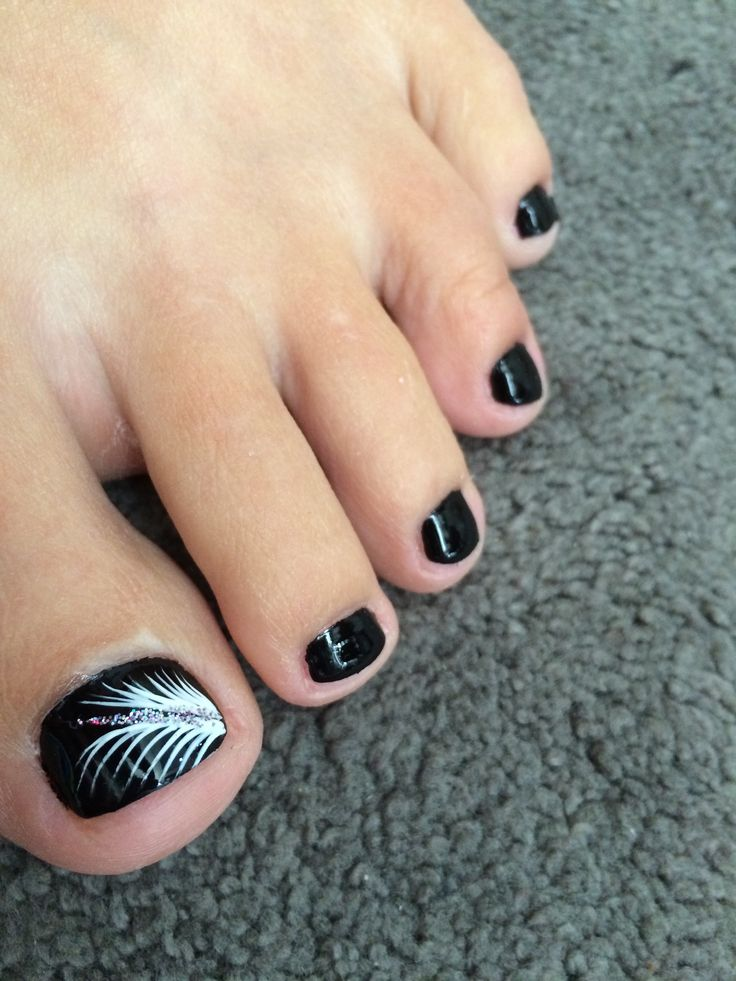 13 And White Black Toenail Designs Images