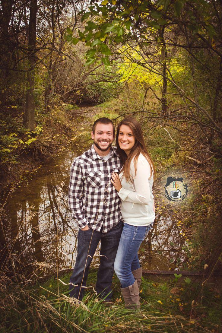 Fall Outdoor Couples Photo Shoot