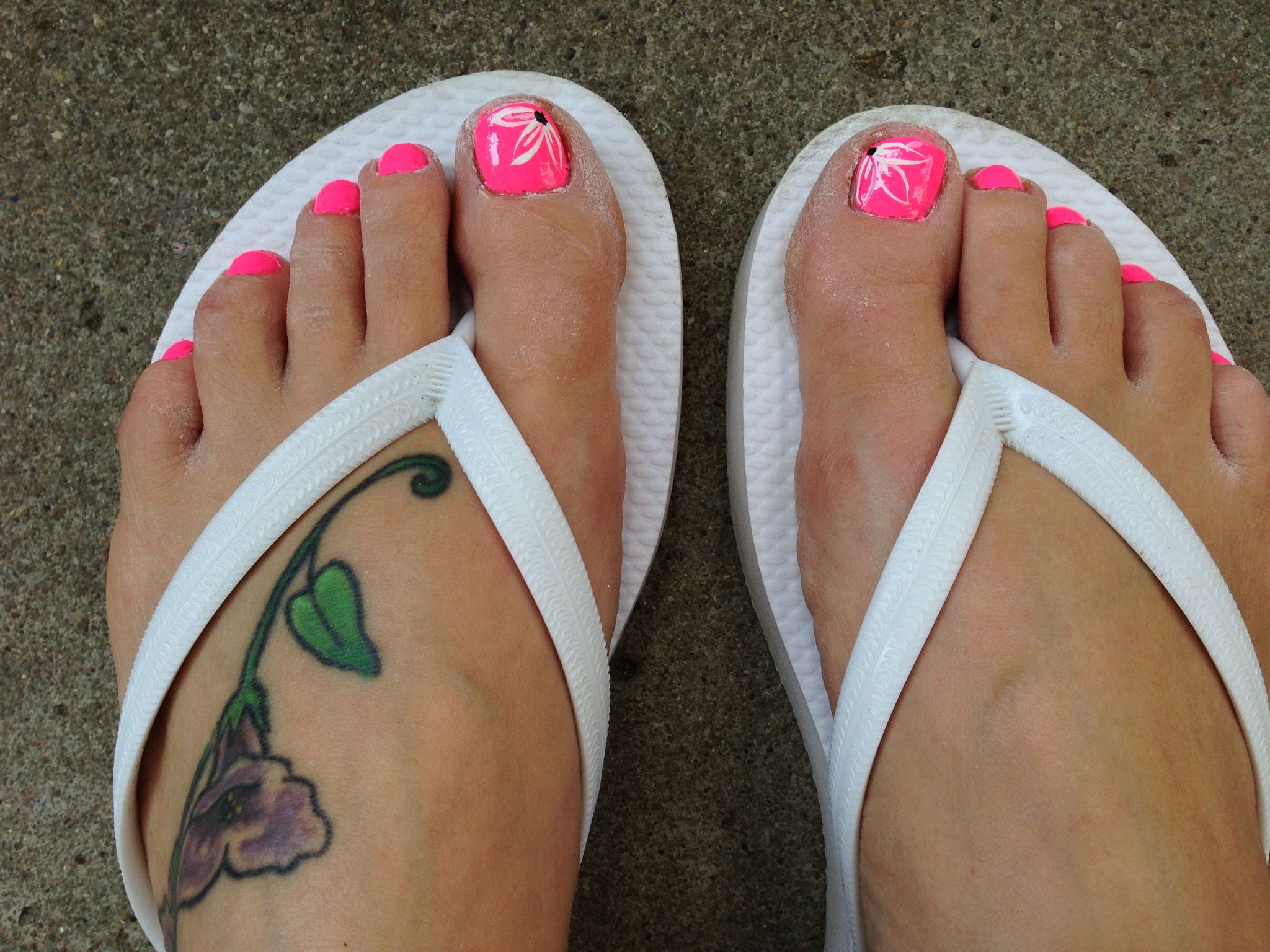 Big Toe Nail Flower Designs