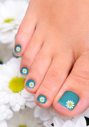 Cute Flower Toe Nail Designs