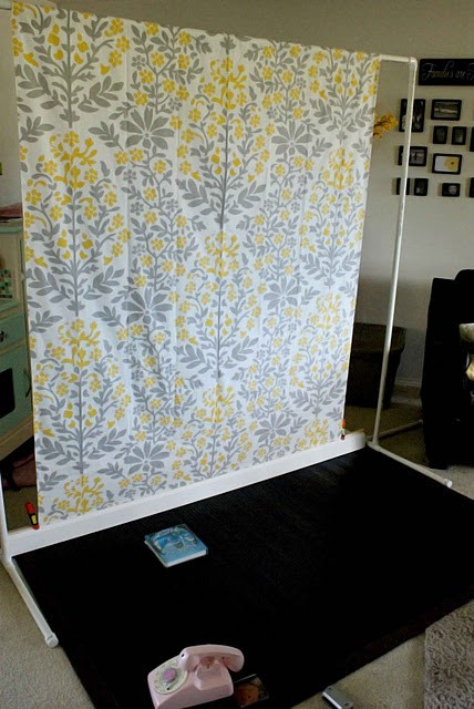 Make Your Own Backdrop Stand