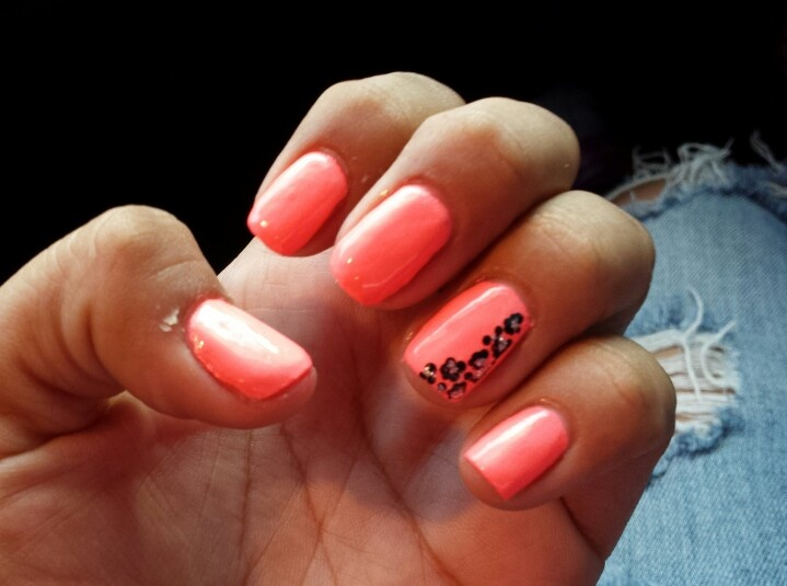 Peach Nail Polish Images To Bend Light