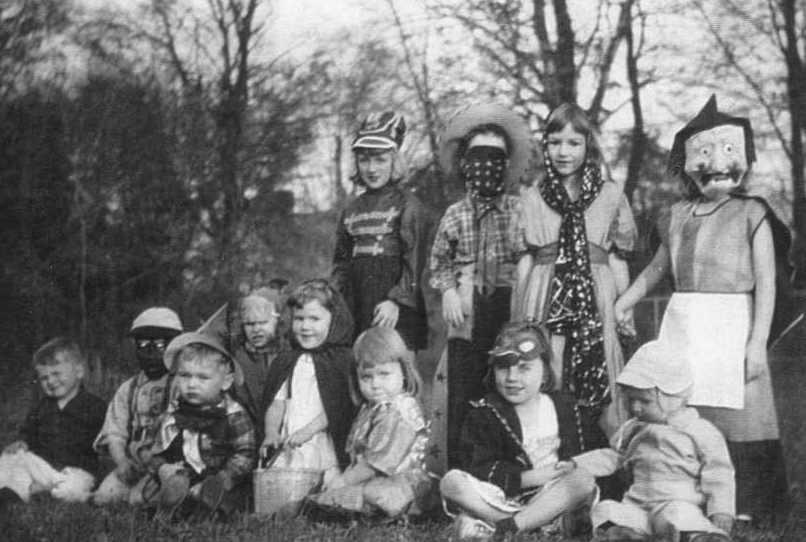 18 Creepy Halloween Photos 1800s Images