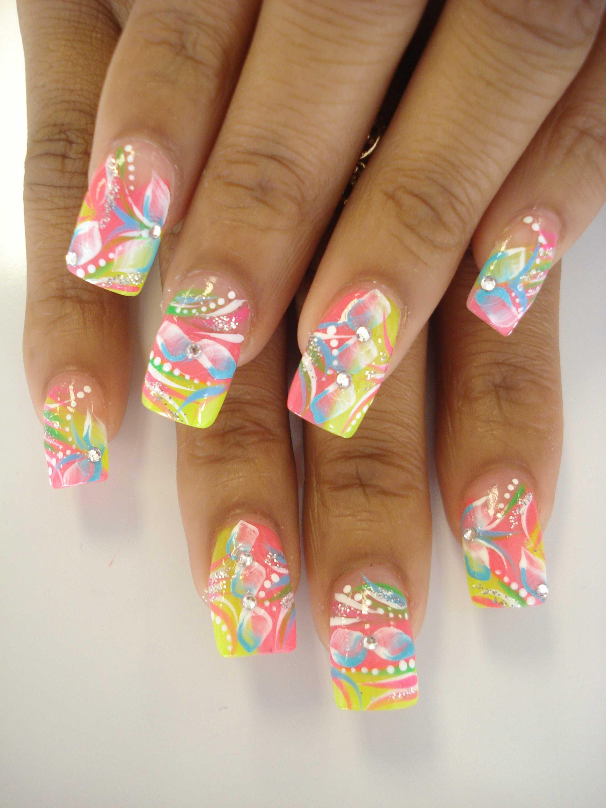 Маникюр летний дизайн ногтей