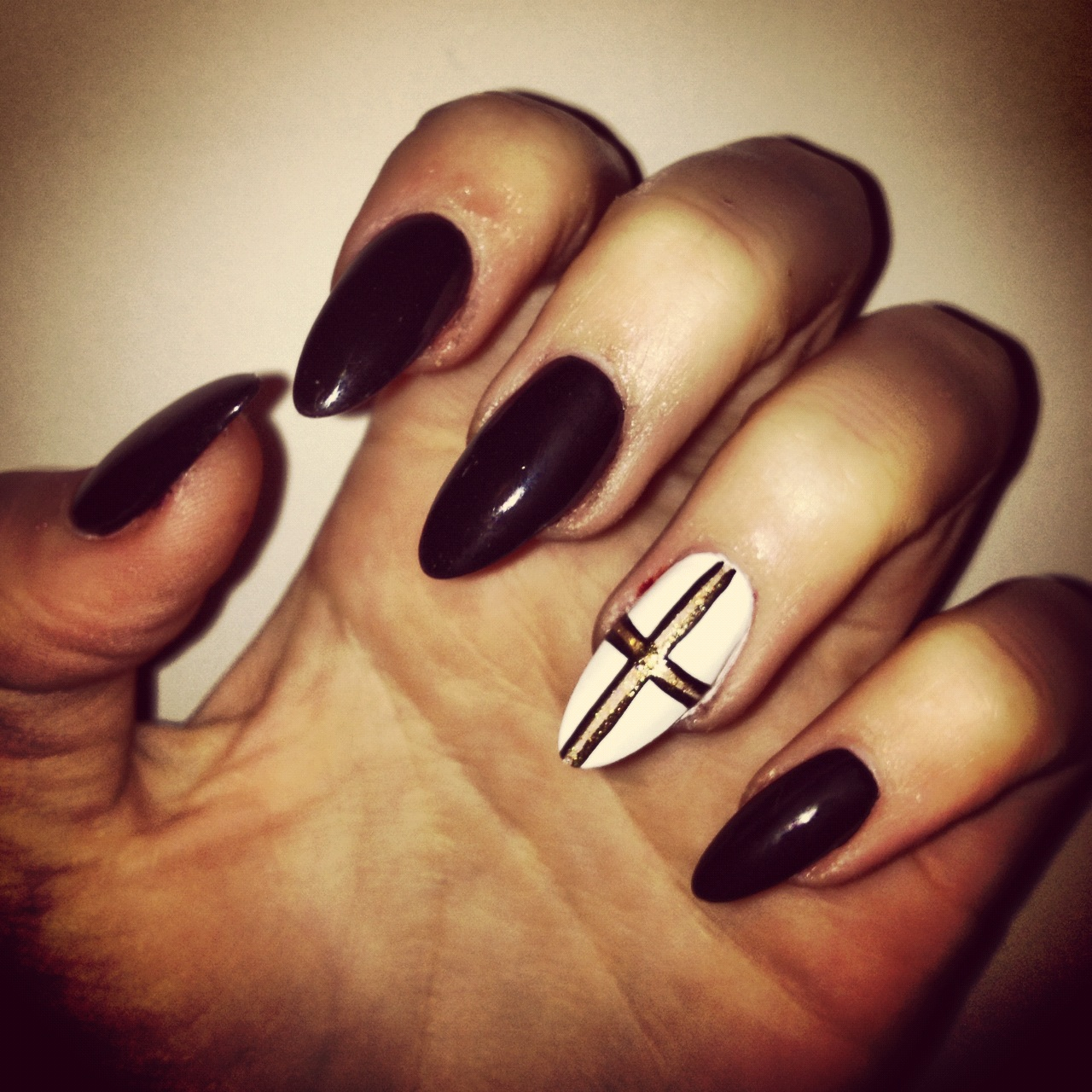 Black Pointy Nails Tumblr | www.imgkid.com - The Image Kid ...