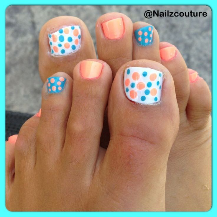 Cute Polka Dot Toe Nail Designs