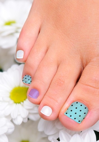 Polka Dot Toe Nail Designs