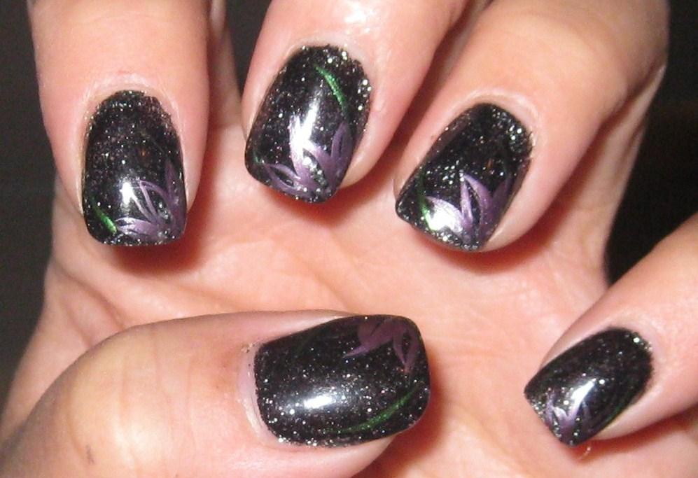 Black Nail Polish Design