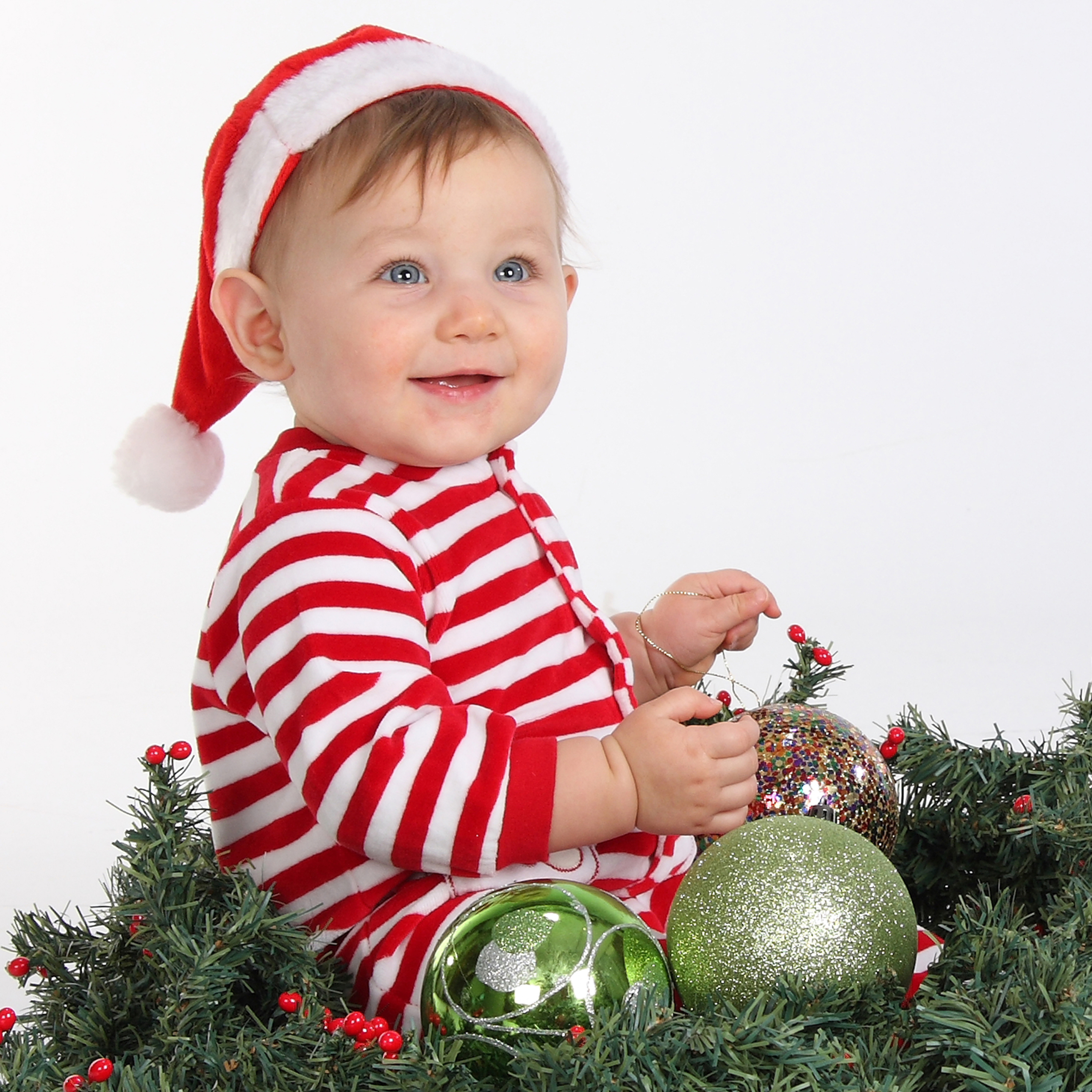 12 Cute Baby Christmas Photography Images