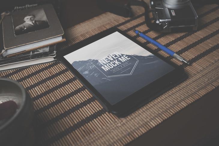 iPhone iPad PSD Mockup Free