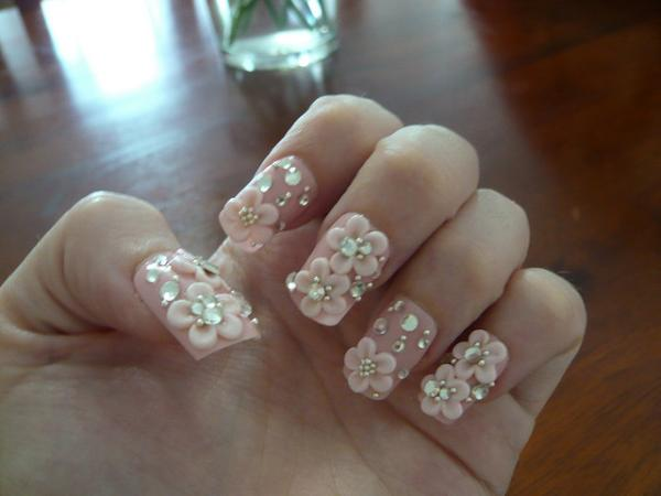 3D Acrylic Flowers Nails Design