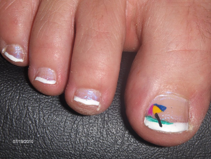 Beach Toe Nail Art