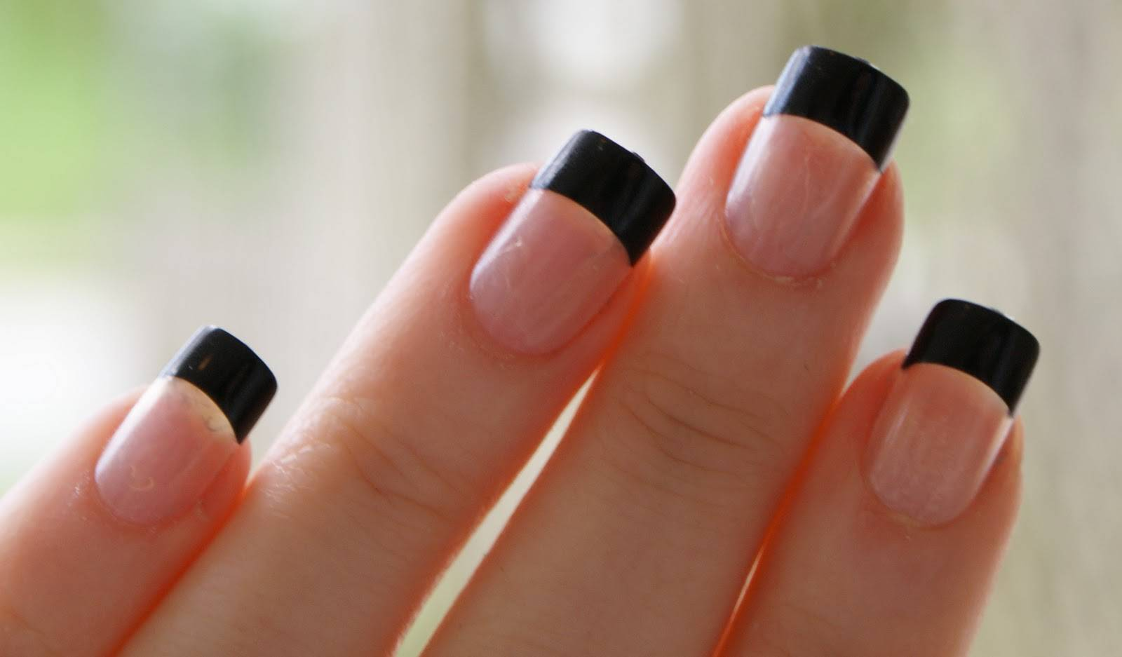 Black French Tip Nail Designs