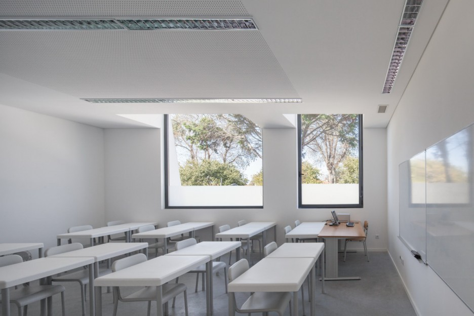 Minimalist Classroom Elementary ~ College classroom design images elementary school