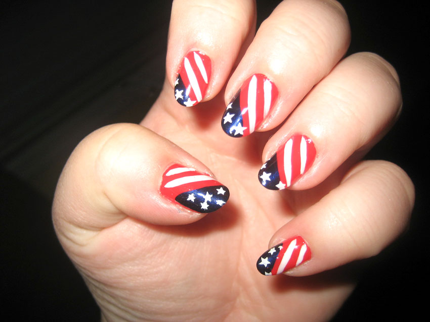 July 4 Nail Art Designs