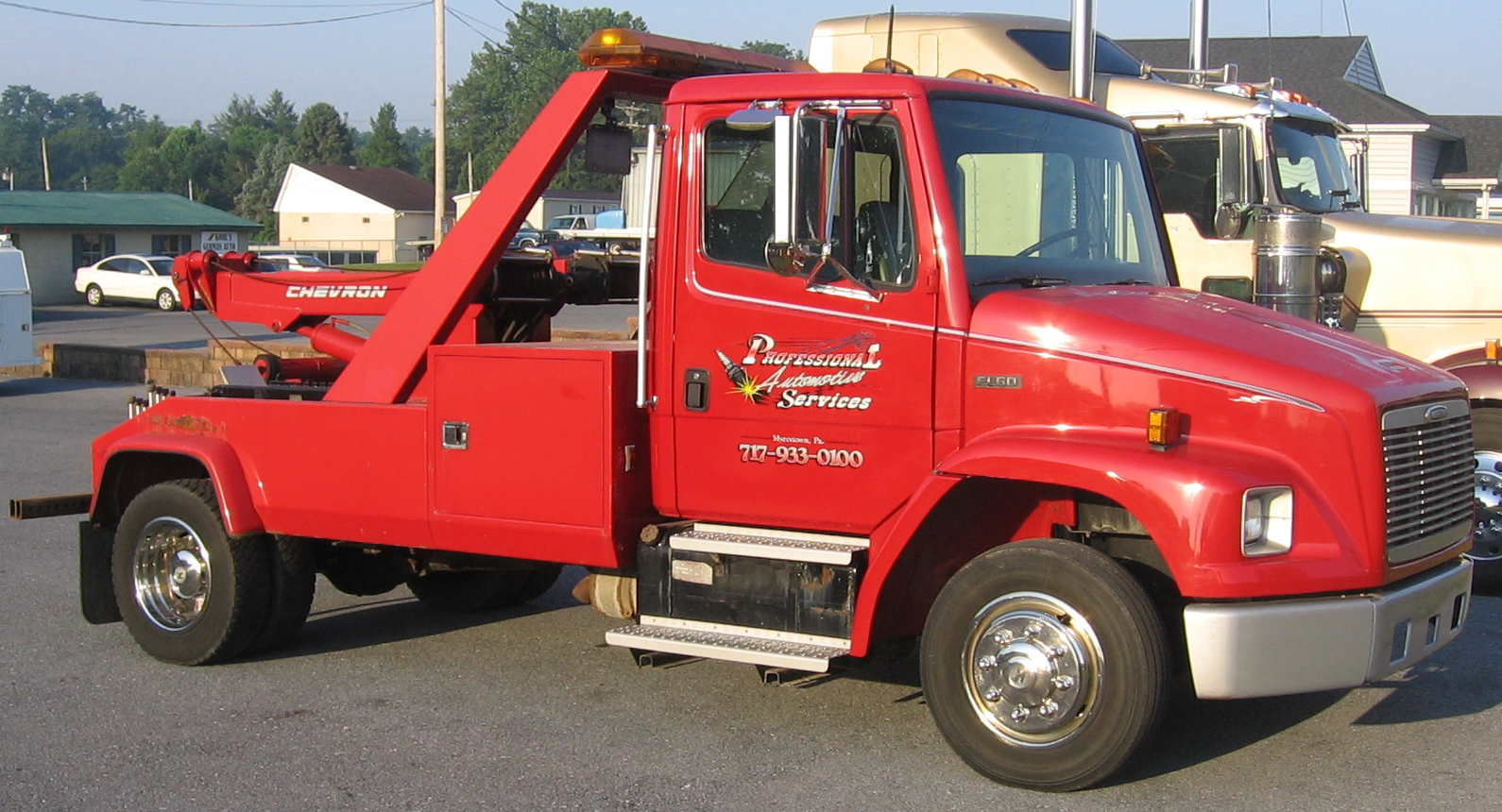 Tow Truck Graphics and Lettering