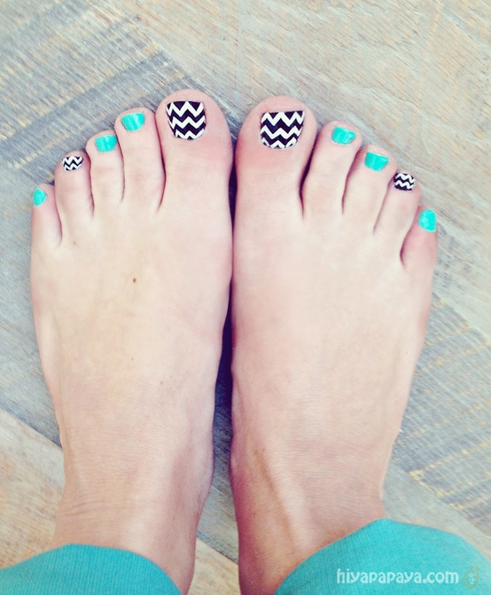 Cute Chevron Toe Nail Designs