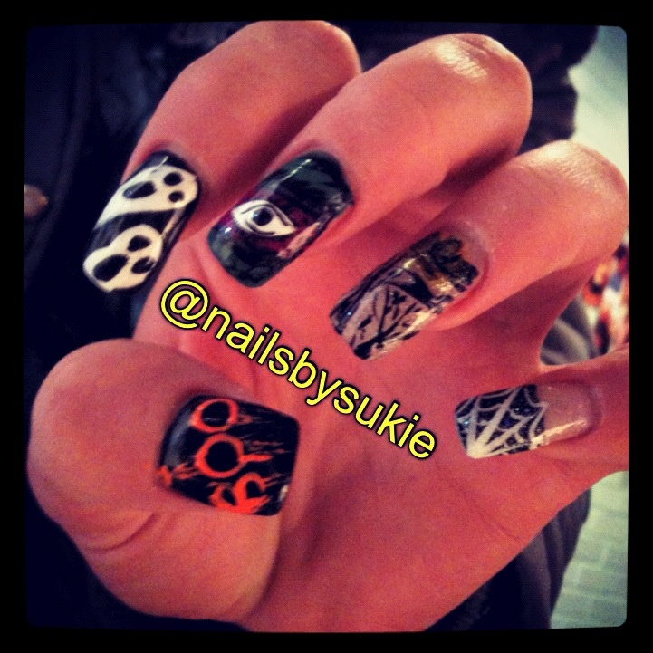 Scary Halloween Nail Designs