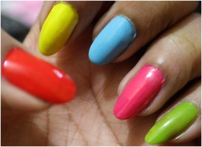 Finger Nail Polish Design