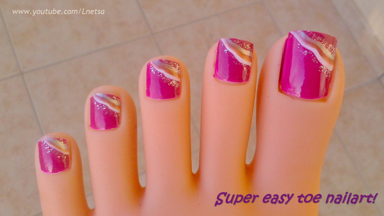 Pink and White Easy Design Toenail