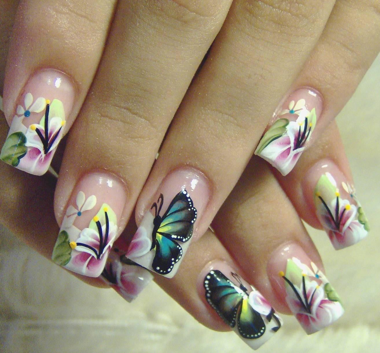 Фото нарощенных ногтей с рисунками бабочек