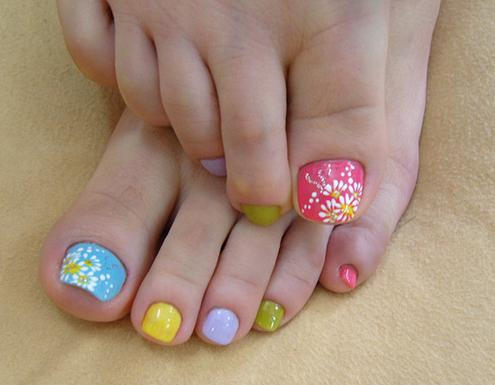 Toe Nail Design for Pedicures
