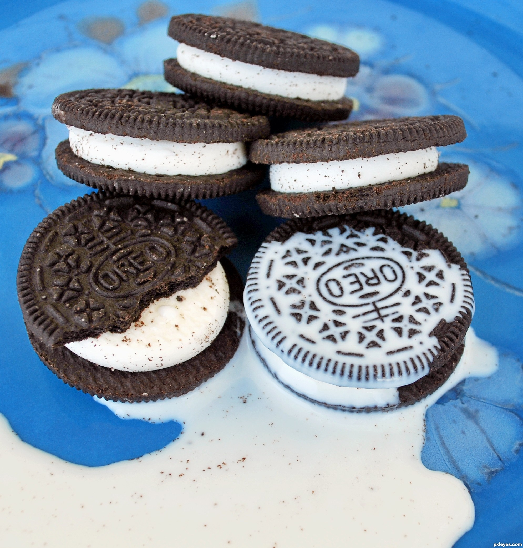 11 oreo with milk vector images