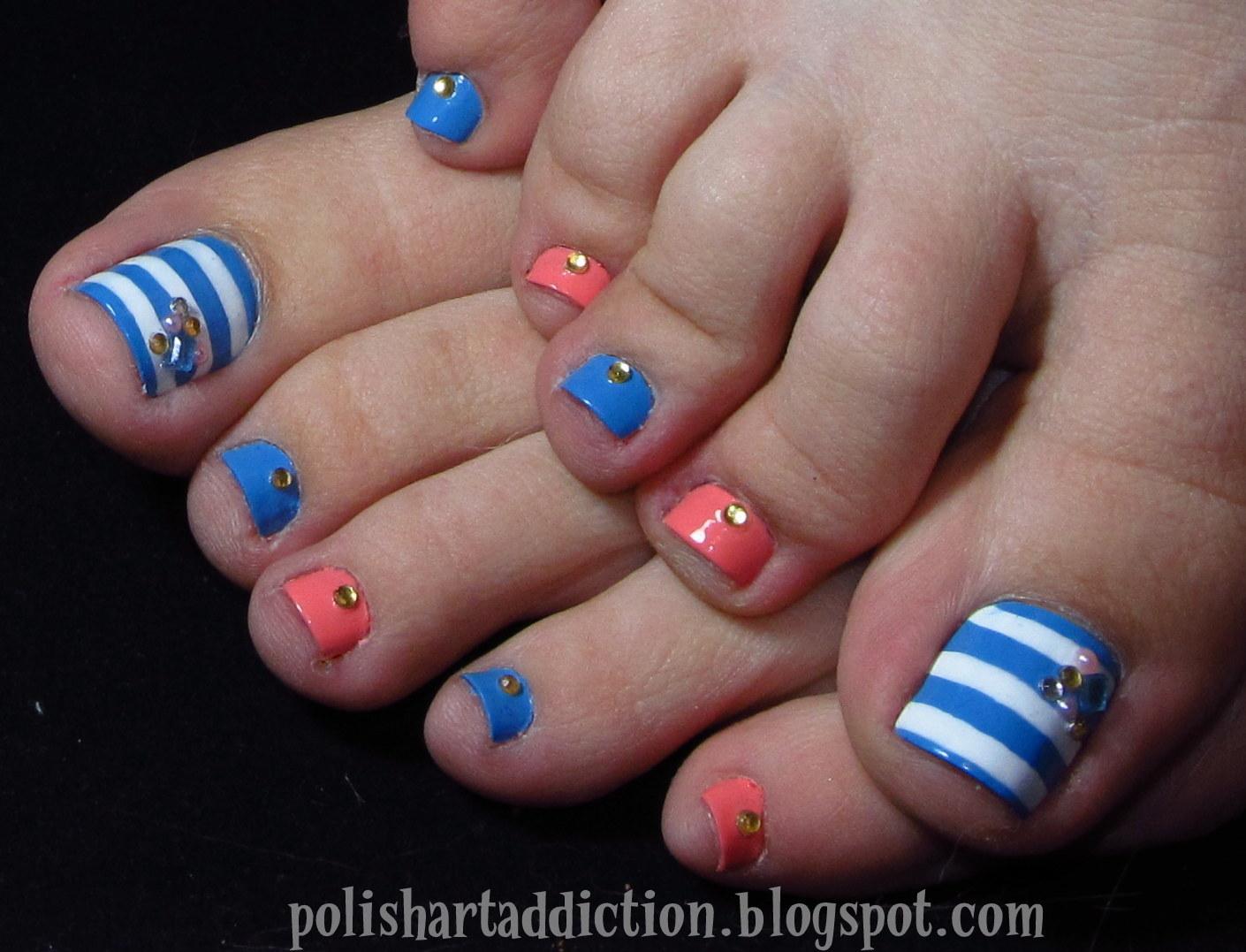 White and Blue Toe Nail Art