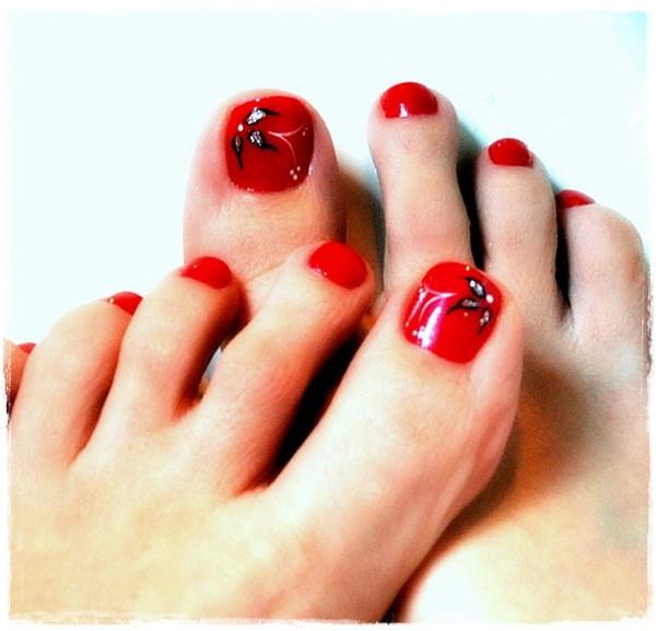 Red Toe Nail Art Design
