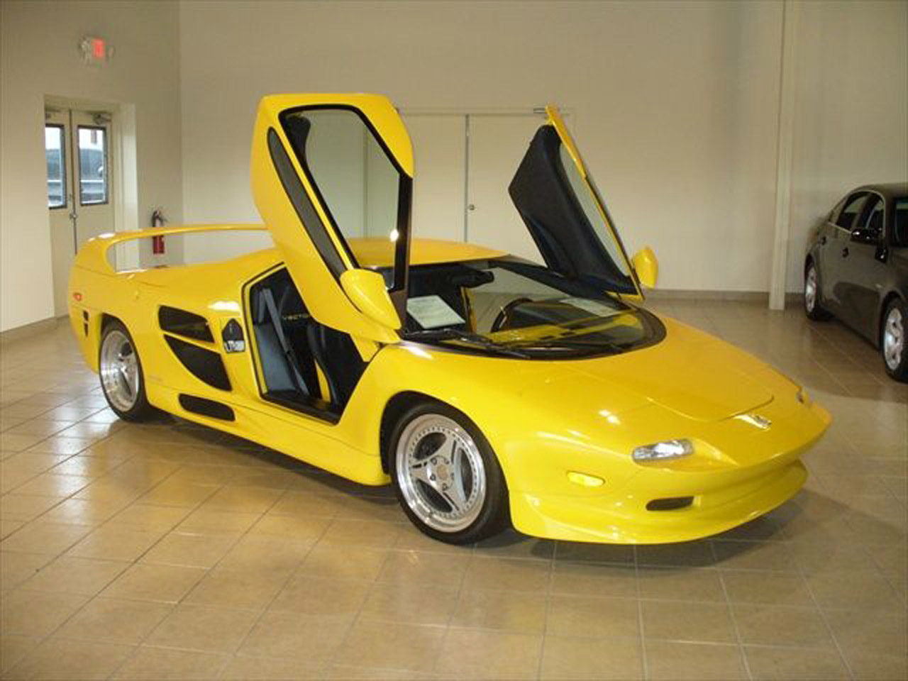 Vector M12 Super Car