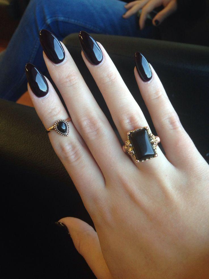Маникюр на длинные ногти черные