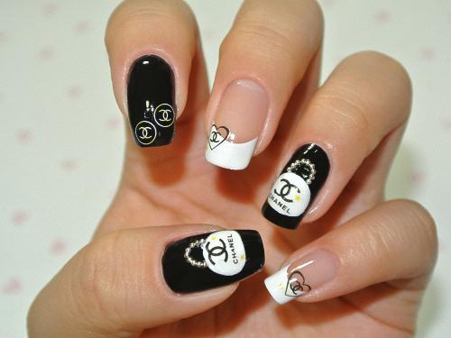 Дизайн ногтей с рисунком шанель