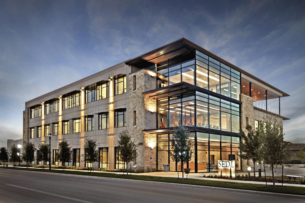 7 Modern Office Building Design Images