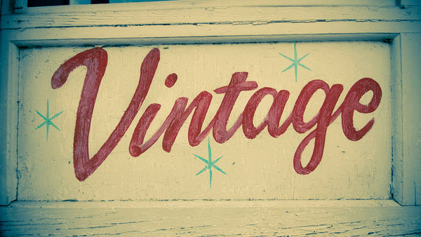 Retro Vintage Typography Fonts