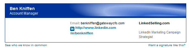 how to add linkedin button in signature
