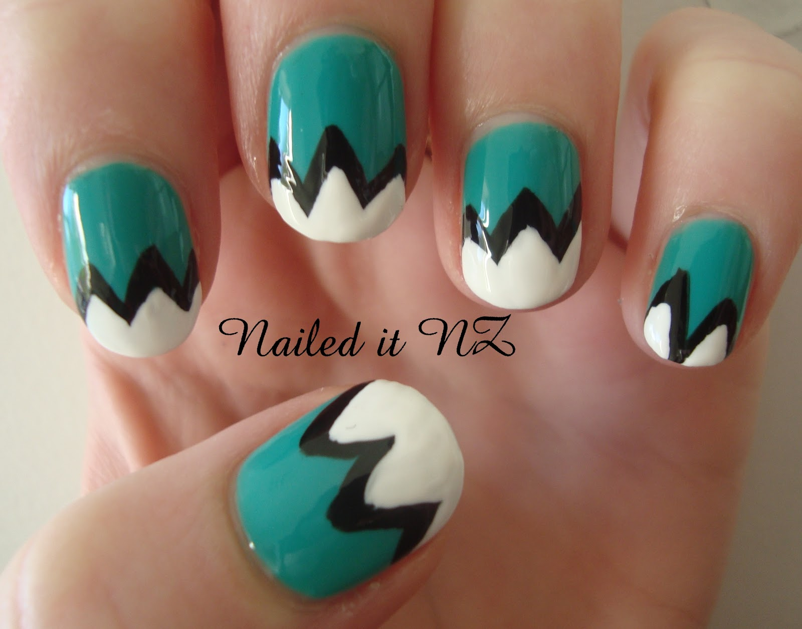 16 Really Easy Nail Designs For Short Nails Images
