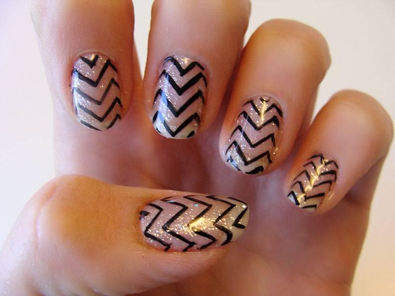 Zig Zag Nail Design